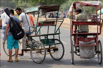 रिक्शा चालक के खाते में आए 3 अरब रुपये, हैरान बीवी हुई बीमार, सरकारी एजेंसियों ने घर पर दी दस्तक