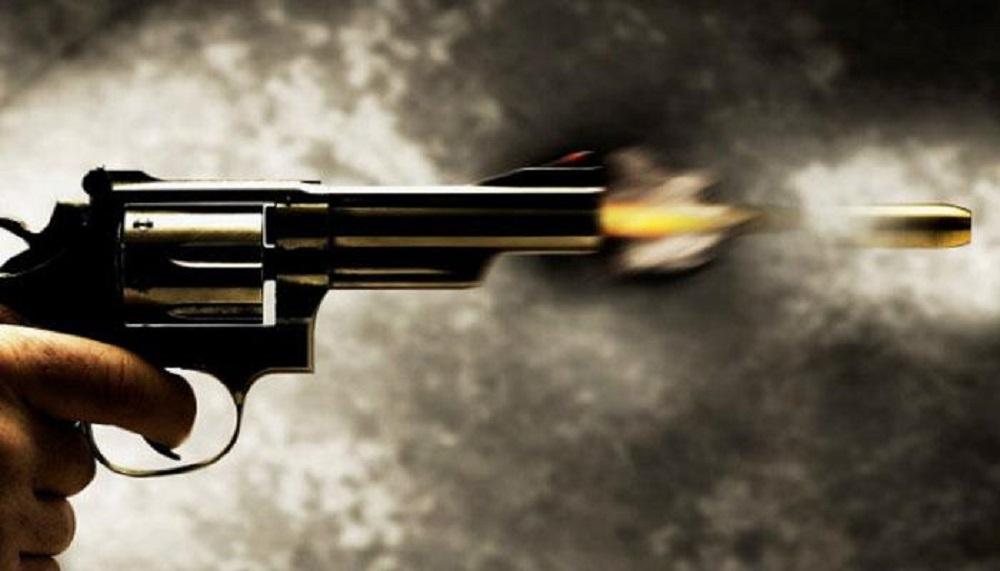 टीटागढ़ में दिनदहाड़े शूटआउट, तृणमूल नेता को गोली मारी