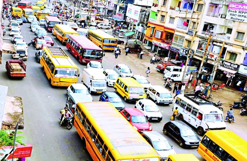 ट्रैफिक जाम रोक रहा एंबुलेंस-दमकल की 'राह'