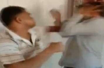 VIDEO: कैब हड़ताल में शामिल न होने पर प्रदर्शनकारी चालक ने की दूसरे चालक की जमकर पिटाई
