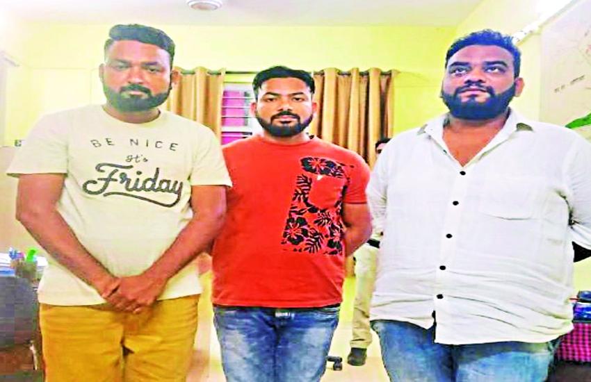 सरेराह शिक्षिका को पीटने वाले तीनों बदमाश चढ़े पुलिस के हत्थे