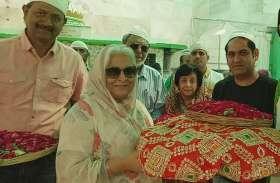 video : Bollywood  एक्ट्रेस बीना काक ने चूमी ख्वाजा गरीब नवाज की दरगाह