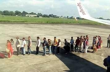 बागडोगरा से कोलकाता के विमान में सीट से अधिक यात्री
