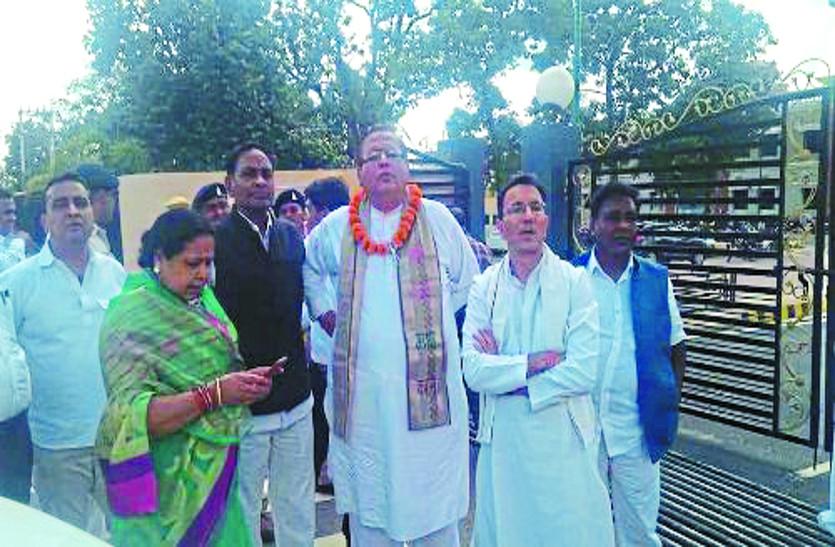 छत्तीसगढ़ विधानसभा चुनाव 2018: नामांकन के नाम पर BJP और Congress ने जमकर किया शक्ति प्रदर्शन