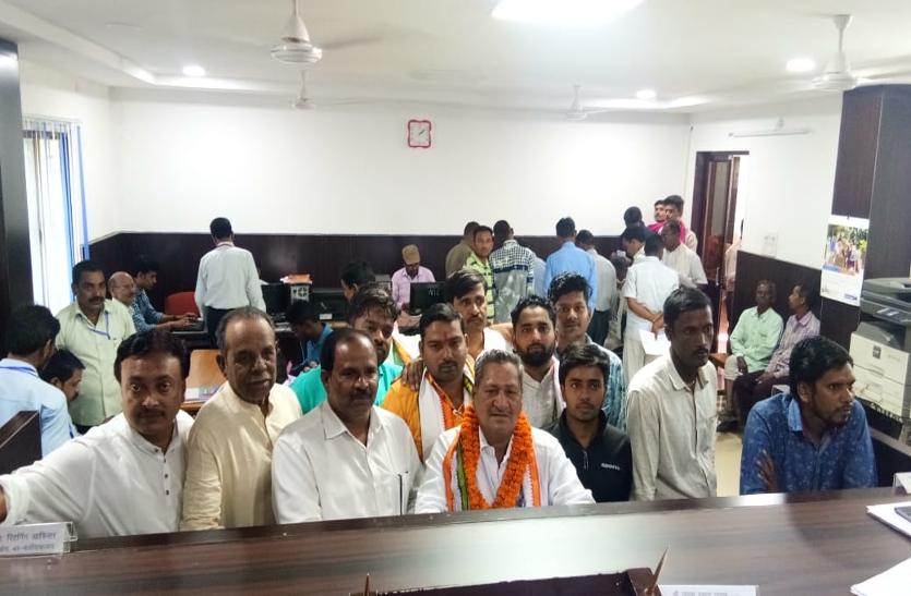 बलौदाबाजार से जनकराम वर्मा सहित 28 लोगों ने दाखिल किए नामांकन