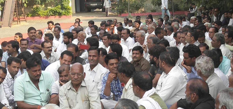 चंदेरी के दावेदारों की ईसागढ़ में हुई बैठक, पूर्व विधायक रघुवंशी को चुनाव लड़ाने का निर्णय