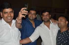 दरोगा काे पीटने वाला भाजपा पार्षद जेल से रिहा, अब पार्टी कार्यकर्ताआें में इस बात को लेकर है बेहद गुस्सा