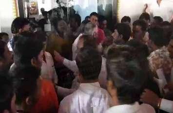भाजपा में टिकट के लिए घमासान, रायशुमारी के लिए परिवहन मंत्री के सामने बहस
