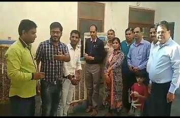 मौसमी बीमारियों से बचाव के लिए आयुर्वेद विभाग हुआ सतर्क, पिलाया काढ़ा
