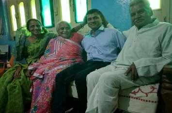 अभावों से जूझकर अमित राठौर ने पाया प्रदेश में प्रथम स्थान