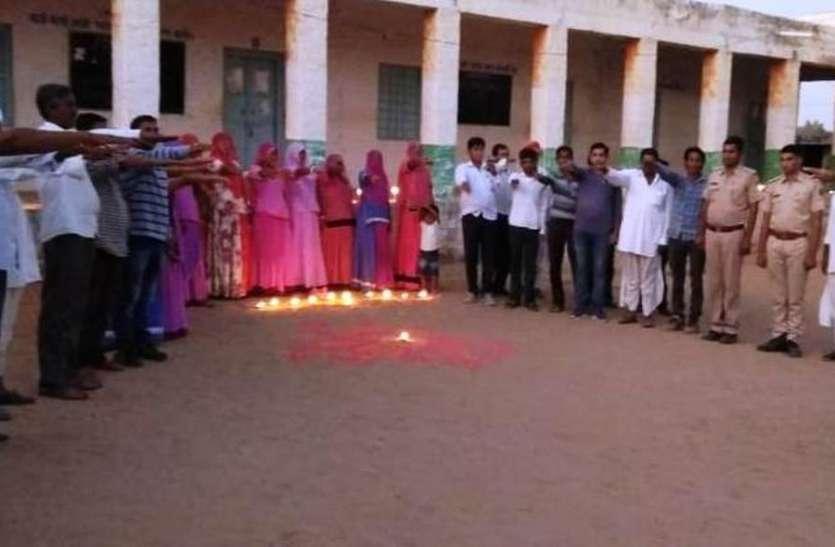 मतदान केन्द्रों पर दीप जलाकर मनाई बूथ दिवाली