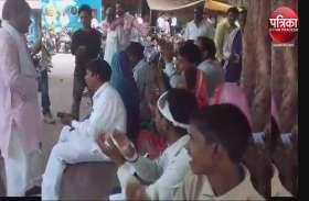 दीपावली पर योगी सरकार में दलितों की जमीन कब्जा करने की कोशिश, जानलेवा हमला, पूरा परिवार धरने पर