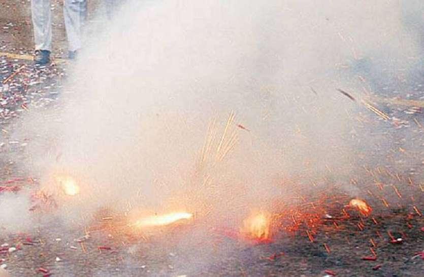 दिवाली की आतिशबाजी से यूपी के इस शहर की हवा सबसे ज्यादा जहरीली, ये हो सकते हैं नुकसान