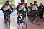 राज्यपाल ने सेना के ई0एम0ई0 साइकिल दल को झंडी दिखाकर रवाना किया