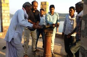 राजस्थान के इस बांध से नहर में पानी छोड़ा, सफाई में खानापूर्ति,-कालीसिल बांध में भरा है २१.७० फीट पानी -३५०० हैक्टेयर क्षेत्र में होगी सिंचाई