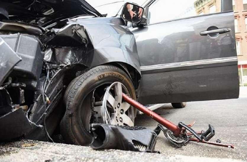 एक ही दिन दो अलग-अलग सड़क दुर्घटना, 13 लोगों की मौत