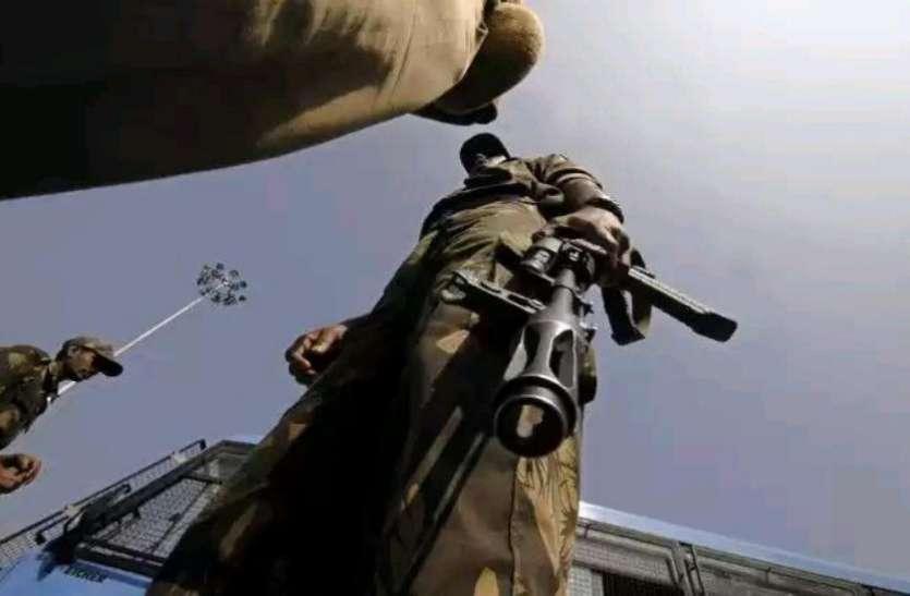 जम्मू कश्मीर: सुरक्षाबलों को बड़ी कामयाबी, हिजबुल मुजाहिदीन के टॉप कमांडर समेत दो आतंकी ढेर