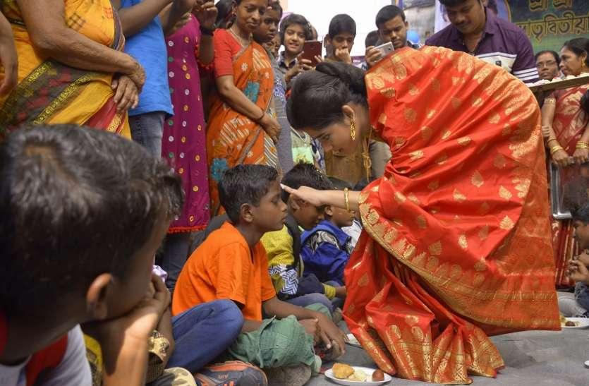 अभिनेत्री ने अनाथ बच्चों संग मनाई भैयादूज