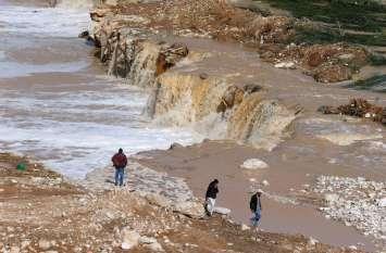 वीडियोः जॉर्डन में भारी बारिश