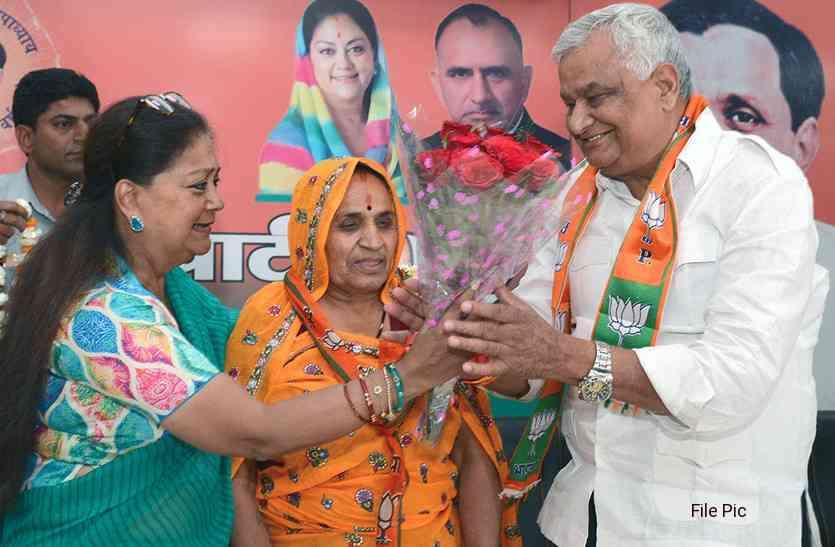 किरोड़ी लाल मीणा के साथ भाजपा में तो शामिल हो गई उनकी पत्नी गोलमा देवी, लेकिन पांच साल में कैसा रहा विधासनभा क्षेत्र में उनका काम, पढ़ें यह रिपोर्ट