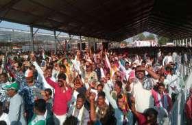 Chhattisgarh Election 2018: राहुल ने मंच संभालते ही मोदी को घेरा कहा, मित्रों तुम झाड़ू पकड़ो देश साफ करो मैं चला फ्रांस
