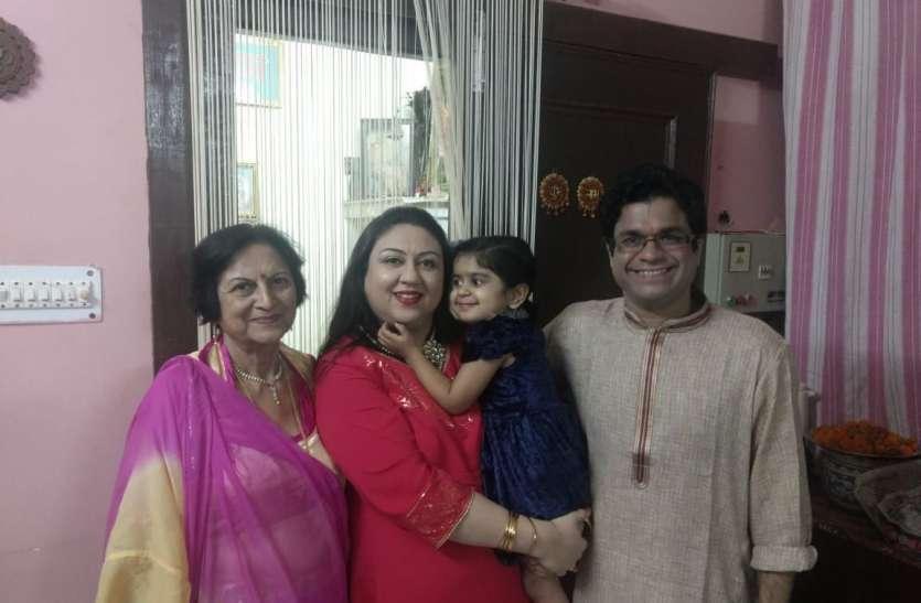 हास्य धारावाहिक चिडिय़ाघर में गोमुख का किरदार निभाने वाले सुमित अरोड़ा ने अलवर में मनाई दिवाली , अलवर की दिवाली के बारे में कही यह बात