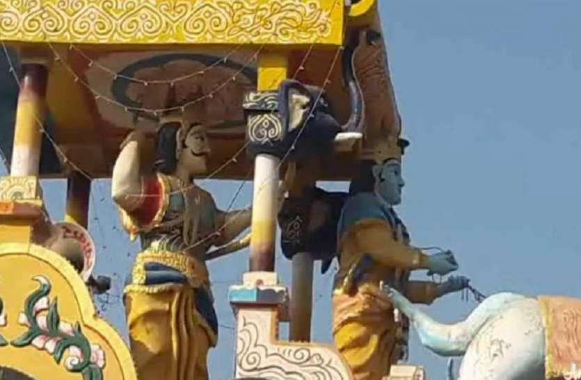 मंदिर पर अवैध कब्जा करने के मामले में उपजिलाधिकारी के खिलाफ कार्यवाही के आदेश