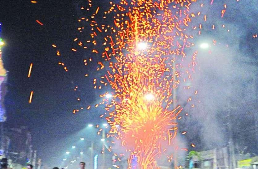 दीपावली पर प्रदूषण : शोर हुआ कम लेकिन हवा में 3 गुना ज्यादा घुला जहर