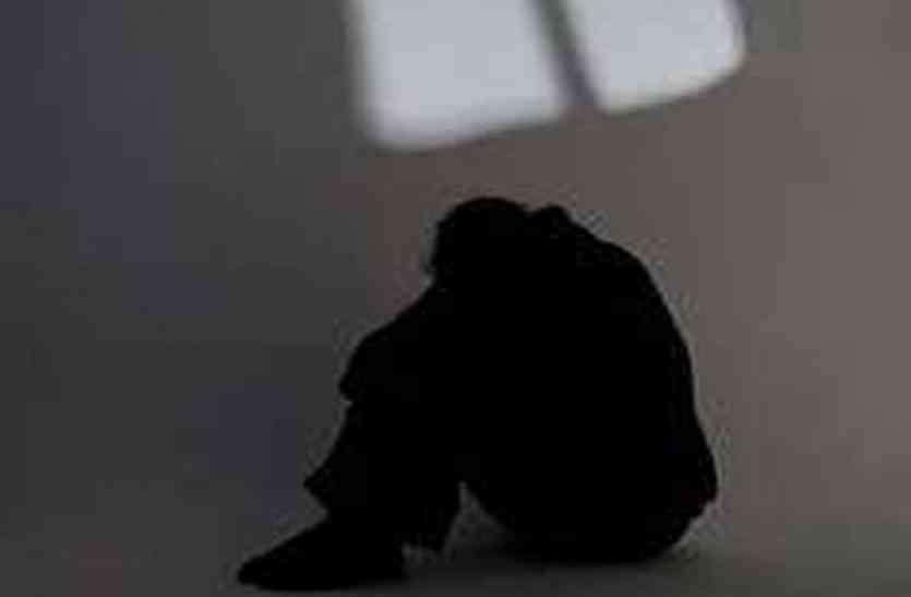 लघुशंका के लिए उठी थी नाबालिग, दरिंदा मुंह भींचकर अपने साथ ले गया और किया बालात्कार
