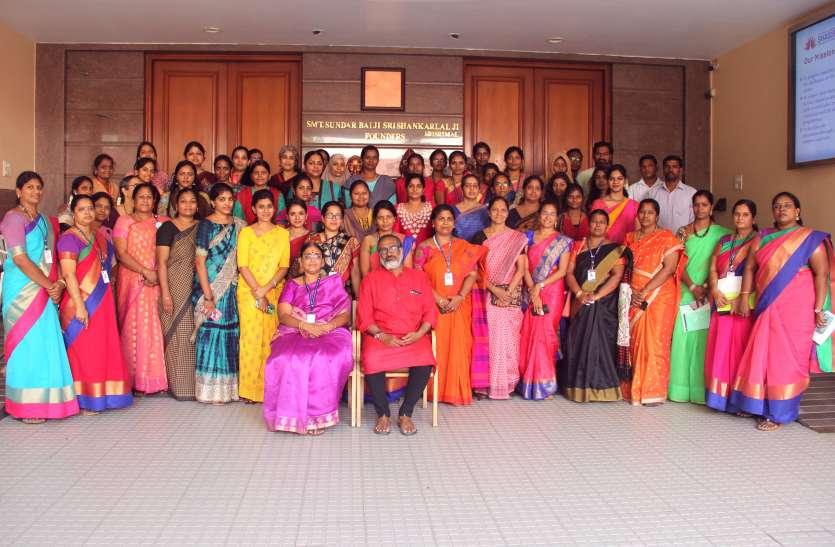 कांटेमप्रोरी लिर्टेचर पर एसएसएस जैन महिला कॉलेज में फैकेल्टी डवलपमेंट कार्यक्रम