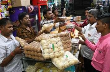 SURAT : खूब बिके सूरती बिस्किट और राजस्थानी नमकीन