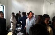 Chhattisgarh Election Live Update: बीजापुर के मतदान क्रमांक 166 के वीवीपैड मशीन में आई खराबी, देर से शुरू हुई वोटिंग