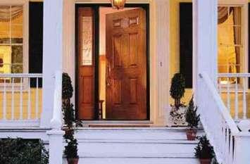 सुबह दरवाजा खोलते ही सबसे पहले करें ये काम, हमेशा प्रसन्न रहेगी लक्ष्मी