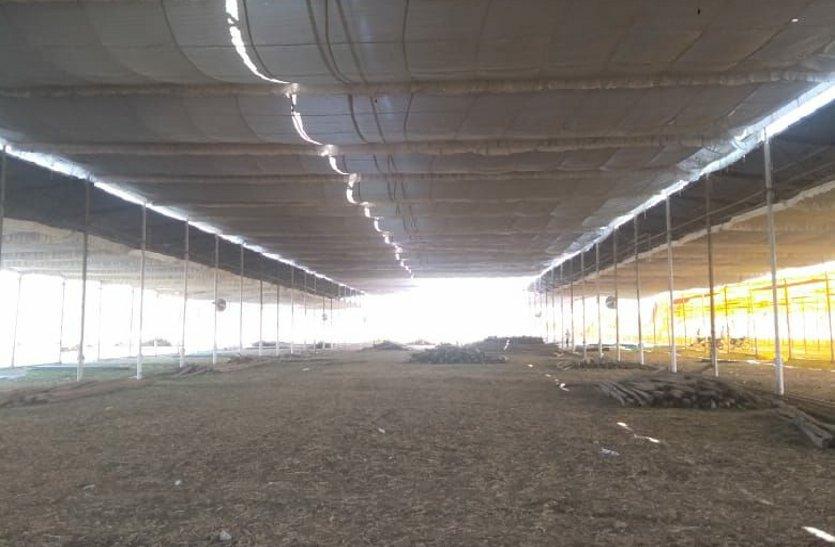 इज्तिमा की तैयारियों में जुटे खिदमतगार, 70 एकड़ में लग रहा पंडाल