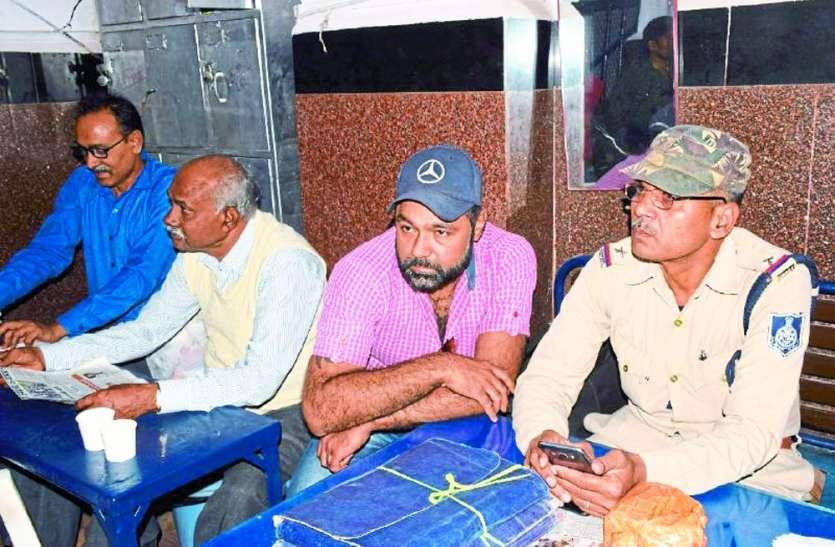 MP पुलिस की बड़ी कार्रवाई: GRP ने पकड़े 13.44 लाख रुपए, ऐसे व्यापारी छिपाकर ले जा रहा था रकम
