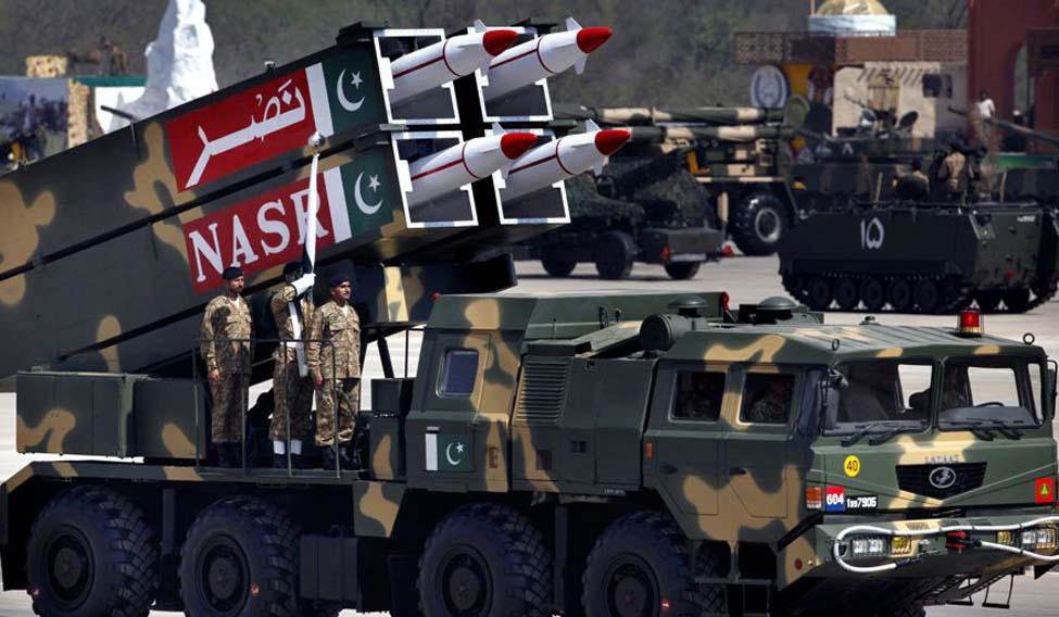 पाकिस्तान के परमाणु हथियार दुनिया के लिए खतरा, भारत से अच्छे रिश्ते भी हैं बड़ी चुनौती