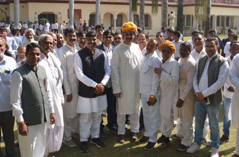 Rajasthan Election 2018 : पिछले तीन दिनों से कांग्रेस की सूची का इंतजार, दावेदारों की सांसें अटकी