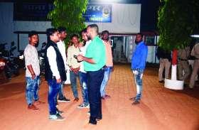 भाजपा का प्रचार करते चुनावी बिल्ला बांट रहे कार्यकर्ता का अपहरण, आरोप कांग्रेस पर, मचा बवाल