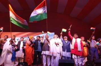 बड़ी खबर: गुजरात के इस नेता ने यूपी में आकर मोदी और भाजपा को हारने के लिए बताया ये मन्त्र