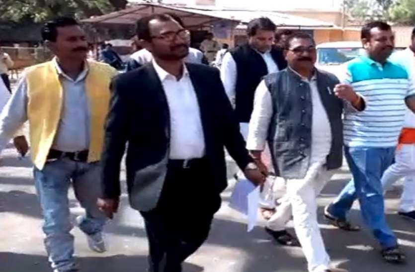 भाजपा ने मना लिए बागी, कांग्रेस रही नाकाम