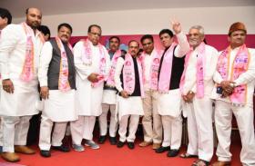 तेलंगाना कांग्रेस उपाध्यक्ष आबिद रसूल खान ने थामा टीआरएस का दामन