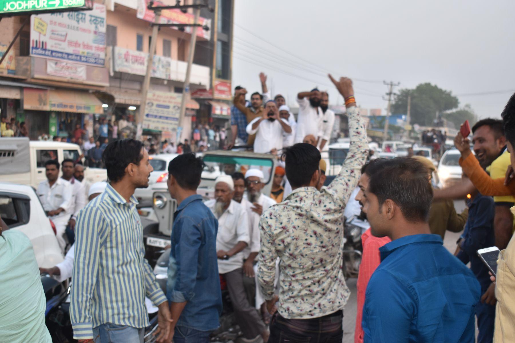 वीडियो : विधायक हबीबुर्रहमान का ईनाणा व नागौर में भारी विरोध, मूण्डवा चौराहे पर दिखाए काले झंडे