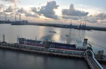 एण्णूर बंदरगाह के निकट समंदर में फिर तेल रिसाव