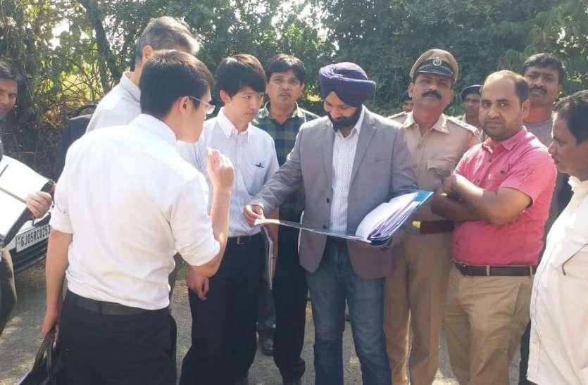 पुलिस बंदोबस्त के साथ गांवों में पहुंचा जापानी प्रतिनिधि मंडल