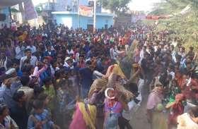 घास भैरू की सवारी में ऐसा क्या दिखा है कि हैरत में पड़ गए लोग