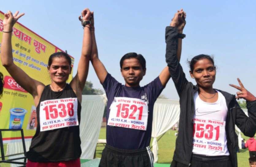 34वीं इंदिरा मैराथन में पुरुषों में धोनी ने बाजी मारी, महिलाओं में ज्योति लगातार छठवीं बार विजेता