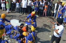 श्रीगुरुनानकदेव जयंती को लेकर शहर के मुख्य मार्गों से निकली भव्य संर्कीतन शोभायात्रा