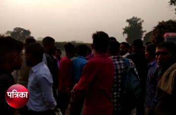 VIDEO : जुगाड़ में बैठकर घर जा रही थीं छात्राएं, तभी हुआ कुछ ऐसा कि मच गई चीख-पुकार