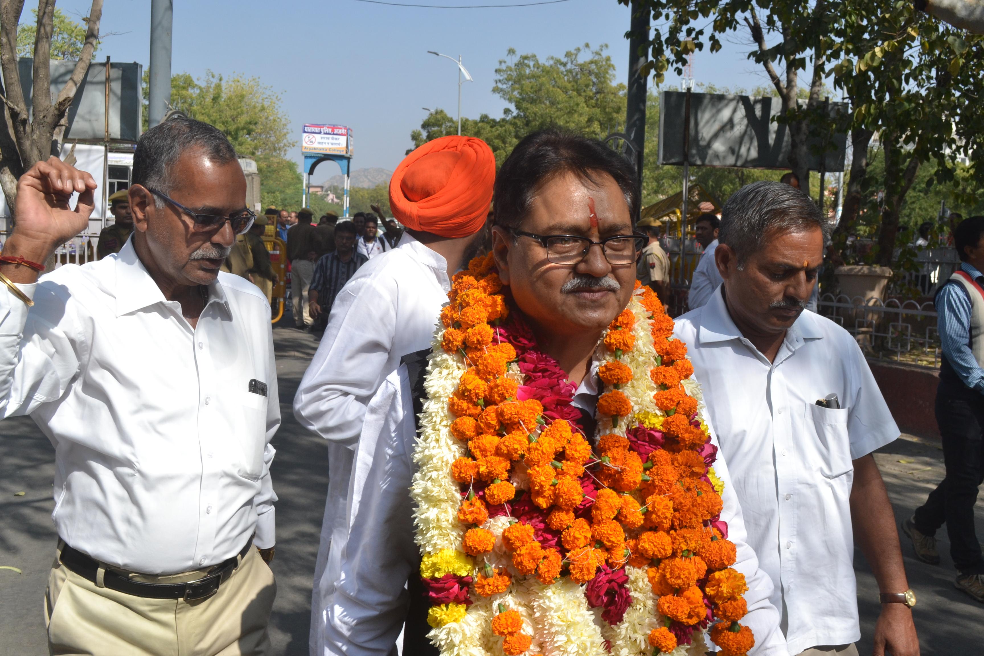 rajasthan ka ran: रूठे नेताओं से अब तक खतरा, चुनावी नैया पार करना नहीं आसान