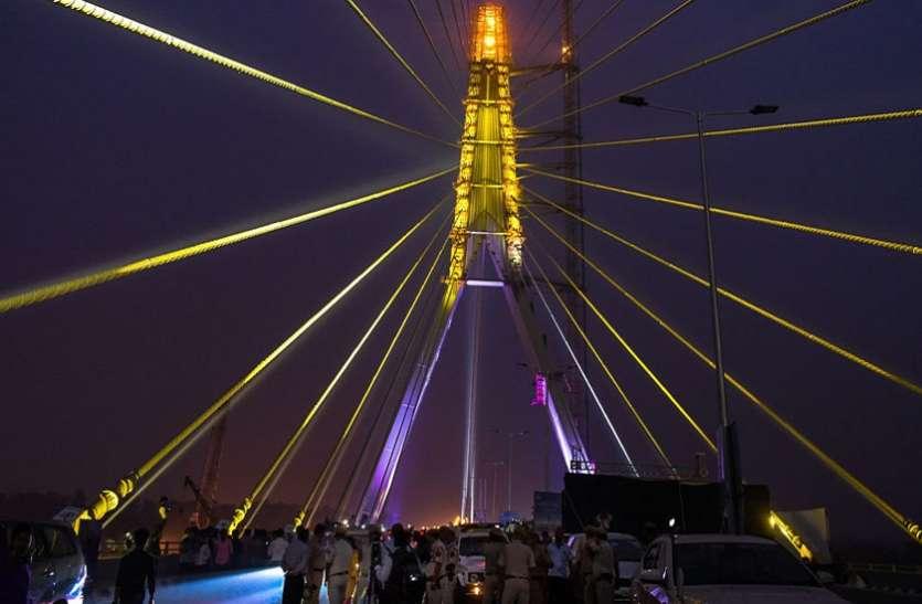 सिग्नेचर ब्रिज पर जमकर उड़ाई गईं ट्रैफिक नियमों की धज्जियां, 15 दिन में हुए 1700 से ज्यादा चालान